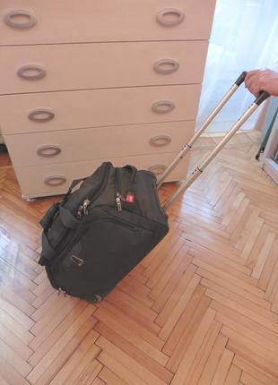 Чемодан сумка на колесах delsey  делси оригинал 55*29*30