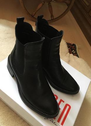 Классные кожаные ботинки польша