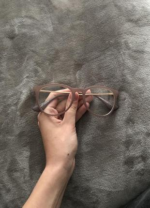 Имиджевые очки бежевого цвета матовое покрытие