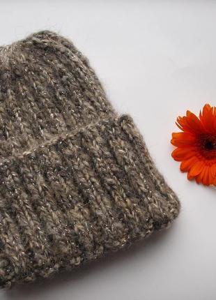 Теплая обьемная зимняя шапка