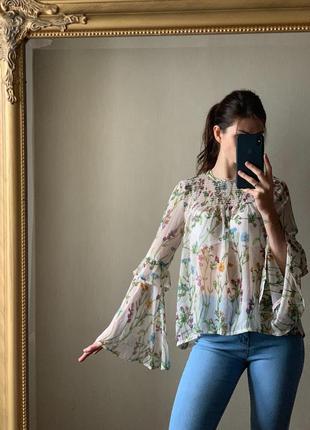 Блуза с рюшами в цветочный принт от atmosphere