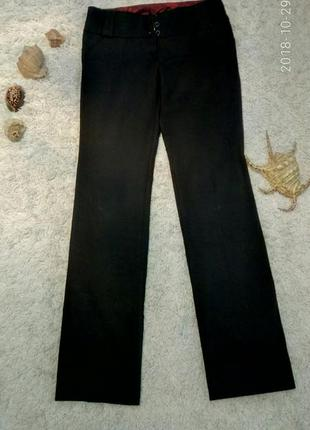 Брюки классические, сзади 2 кармана-листочки на пуговке