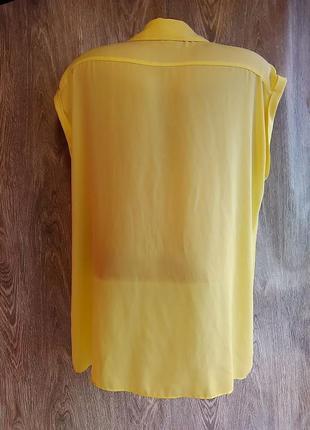 Интересная блуза. цвет яркий