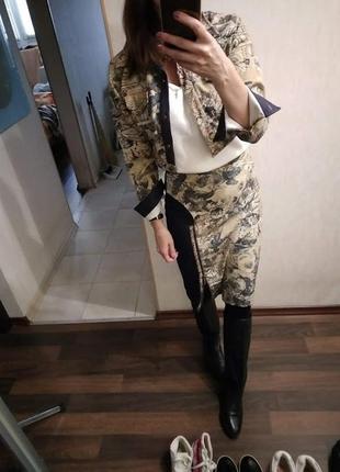 Джинсовка +юбка миди - джинсовый костюм с принтом в стиле рафаэля