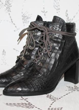 Шикарные ботинки от stuart weitzman gigi boot 37 размер 24 см стелька