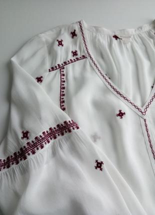 Красивейшая белая блуза с вышивкой из натуральной ткани