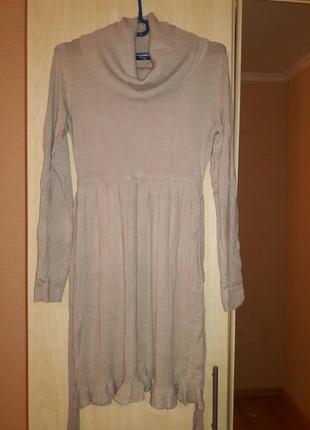 Женственное кашемировое платьице