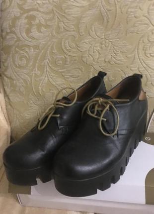Туфли на тракторной подошве кожа