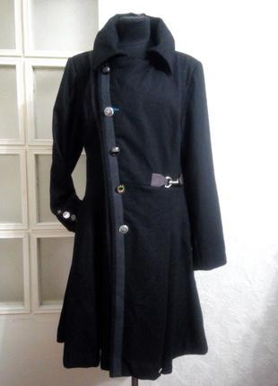 Стильное оригиналное пальто 14р