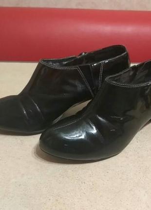 Лаковые туфли marks&spencer, р.38, по стельке 24 см.