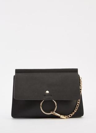 Новая чёрная сумка с ремешком через плечо