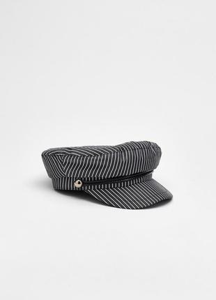 Крутая кепка bershka