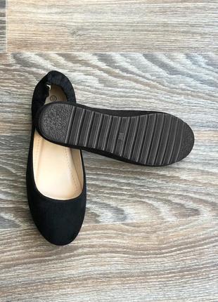Новые черные эко замшевые туфли балетки на низкой платформе с резинкой на  пятке lady lily 8c03195625dd7