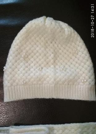 Ніжний та гарний набір шапка і шарф