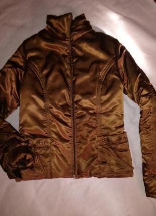 Курточка зимня