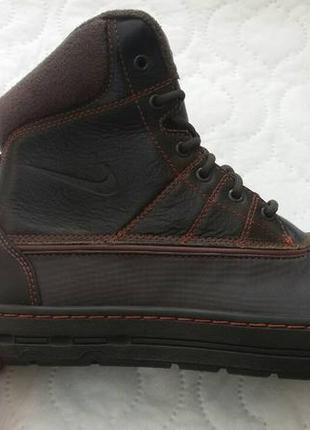 Взуття зимове.