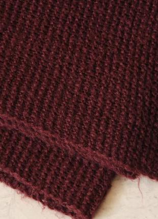 Теплый шарф марсалового цвета