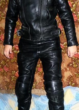 Мотокостюм из кожи