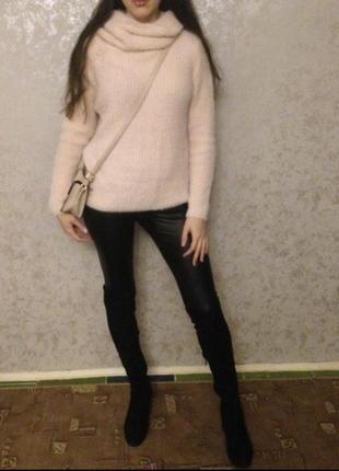 Шикарный нежно-розовый пудровый объемный свитер оверсайз
