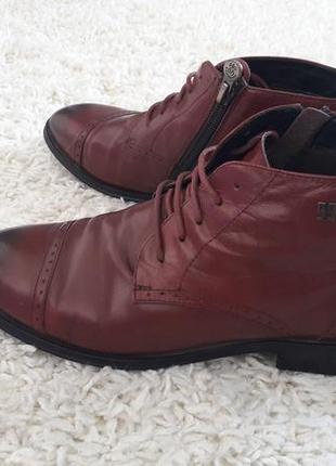 Кожаные женские ботинки броги