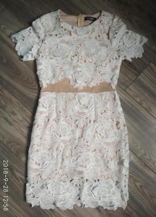 Кружевное платье-футляр missguided