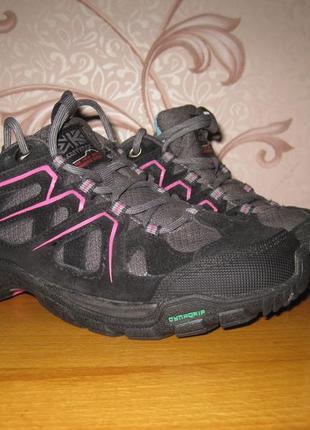 Кроссовки для девочки. размер 35 см. karrimor. в отличном  состоянии!