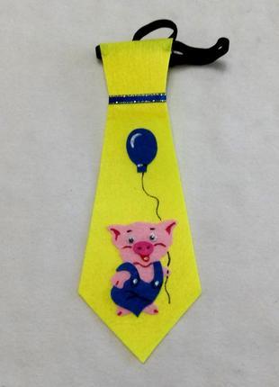 Карнавальный галстук из фетра три поросенка