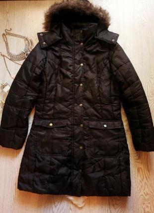 Черная длинная куртка утепленная деми с искусственным мехом капюшоном карманами