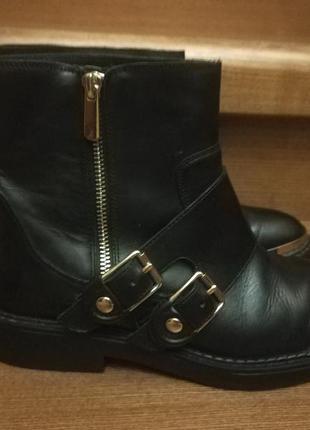 Крутые ботинки zara натуральная кожа сапоги