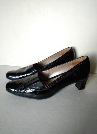 Удобные комфортные устойчивые кожаные черные лаковые туфли мешти р. 6 39-40 26 см van dal