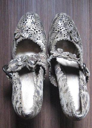 Новые туфли на высоком каблуке carlabei 38 р