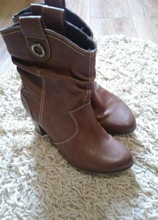 Фирменные сапоги s.oliver на устойчивом каблуке