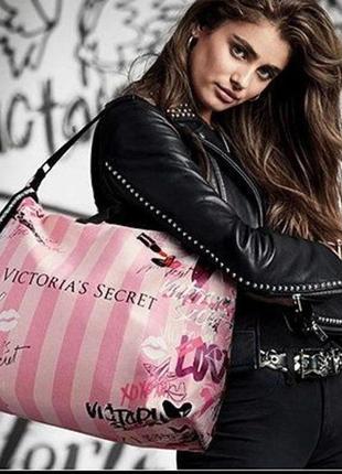 Victoria's secret сумка дорожная большая путешествий спорта новая оригинал розовая полоску