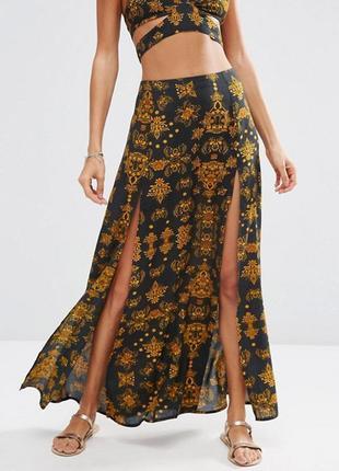 Розпродаж !!!  пляжная юбка с разрезом и барочным принтом asos