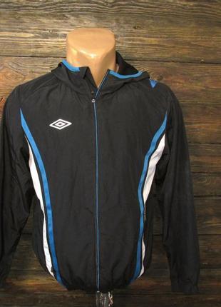 Куртка спортивная, ветровка подростковая umbro, 152 см, (пару плятен от краски), уценка!