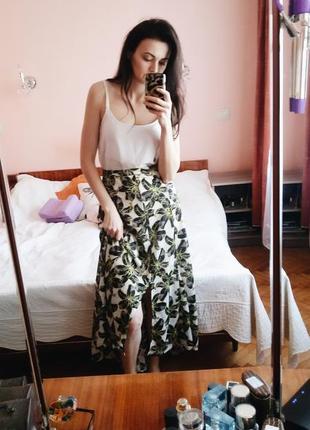 Асиметричная юбка в цветочный принт