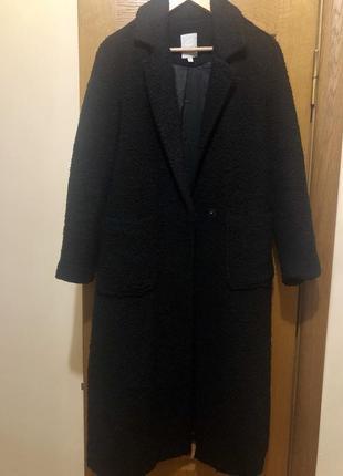 Чёрное длинное тёплое пальто букле оверсайз s-m