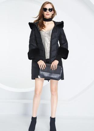 Зимнее женское пальто стильное пуховик натуральный мех