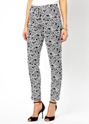 Чарівні брюки true decadence