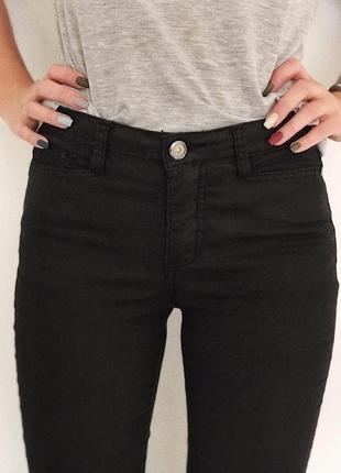 1️⃣чорні штани vero moda із відблиском✨