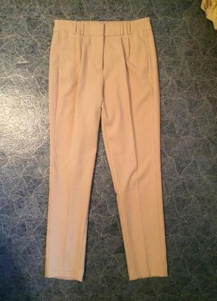 Бежевые классические брюки стрелка reserved