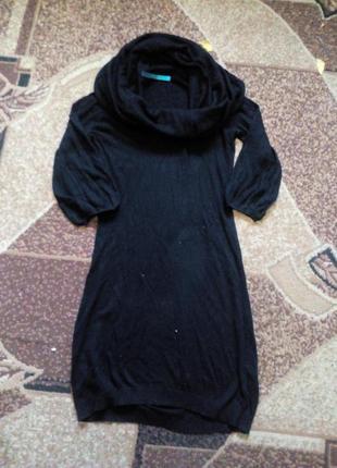 Чорне платтячко з широким воротніком, хомутом