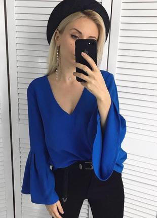 Ефектна блузка з воланами
