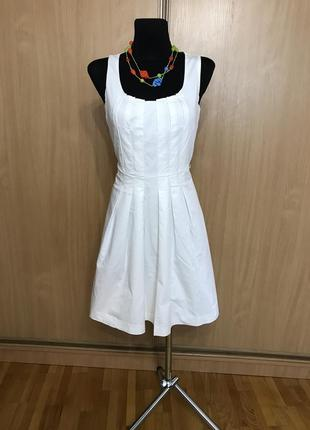 Белоснежное хлопковое платье