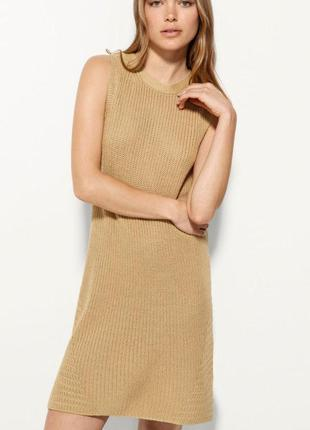 Вязаное короткое платье без рукавов massimo dutti