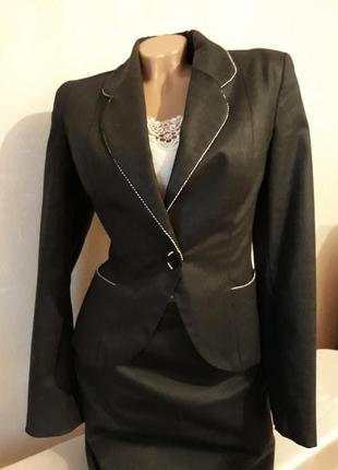 Костюм тройка, шерсть, : пиджак, юбка, брюки.