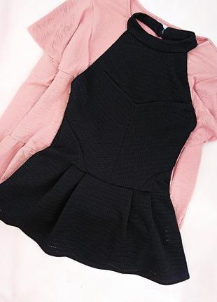 Мега модный топ/блуза с баской и открытой спиной перфорация оригинал tally weijl