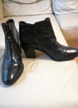 Ботинки нат кожа 40 р