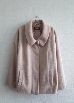 Стильное пальтишко, бренда marks & spenser, подойдет на 54,56 р.