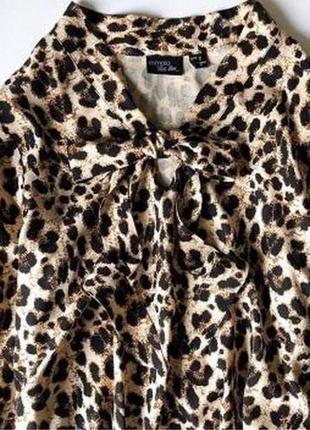 Блуза с трендовым  леопардовым принтом2 фото